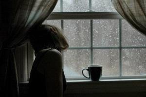 chocolate-coffee-cup-girl-sad